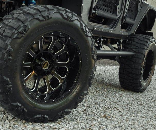 Автомастерская Starwood Motors представила новый кастом на базе Jeep Wrangler. Изображение № 2.