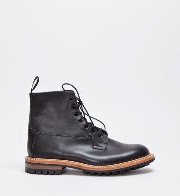 Марка Tricker's и магазин Tres Bien представили совместную модель ботинок. Изображение № 3.