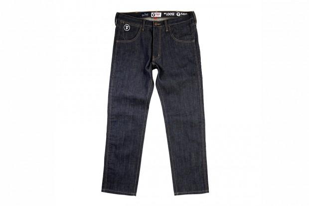 A Bathing Ape представила совместную коллекцию своей линейки Aape и джинсовой марки Wrangler . Изображение № 5.