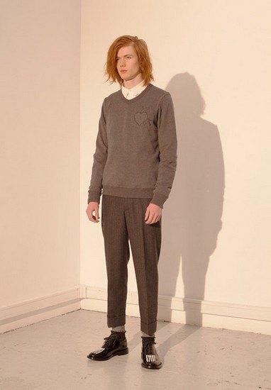 Марка Undercover опубликовала лукбук осенней коллекции одежды. Изображение № 20.