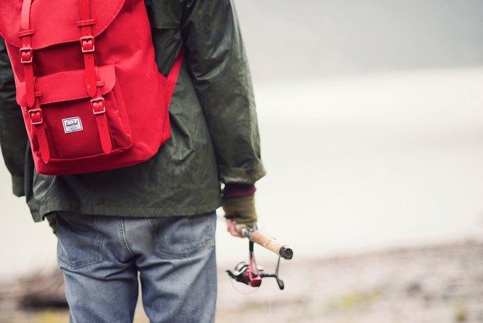 Марка Herschel опубликовала лукбук осенней коллекции рюкзаков и сумок. Изображение № 1.