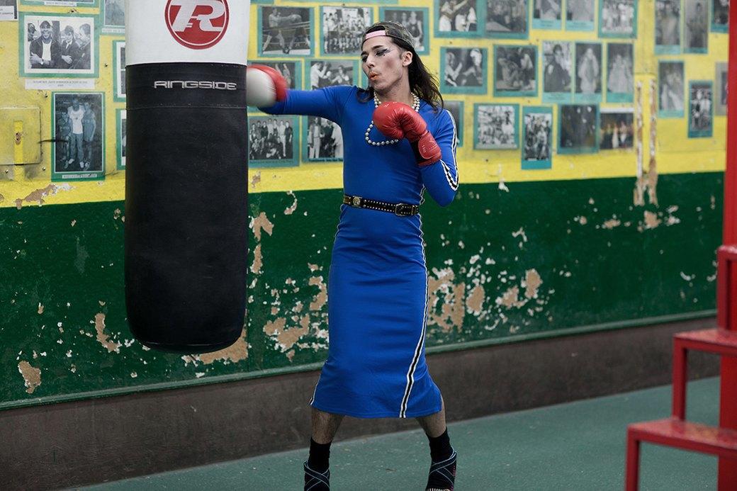 Фотопроект: Трансвеститы оккупируют боксёрский клуб в Лондоне. Изображение № 8.