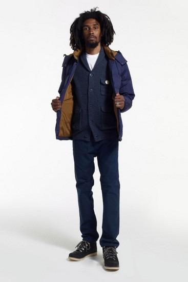 Марка Stussy опубликовала второй лукбук новой коллекции одежды своей линейки Holiday. Изображение № 13.