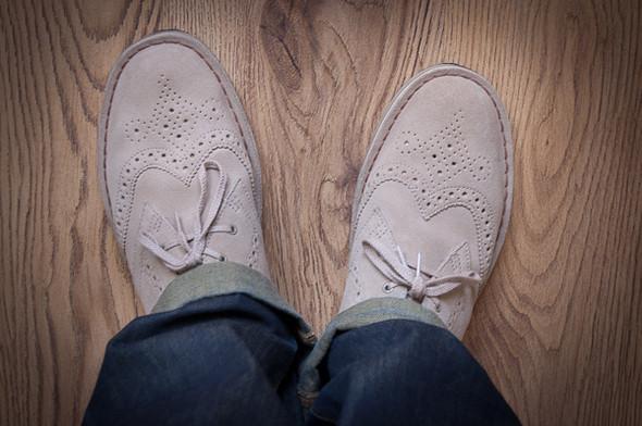 Изображение 4. Обувная компания Clarks выпустила замшевые броги.. Изображение № 4.