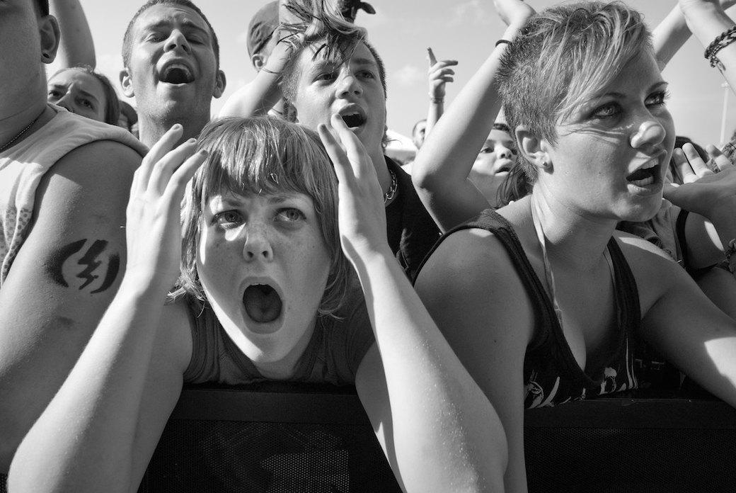 Музыка нас связала: Фотограф Эрин Фейнберг десять лет снимает фанатов на концертах. Изображение № 18.
