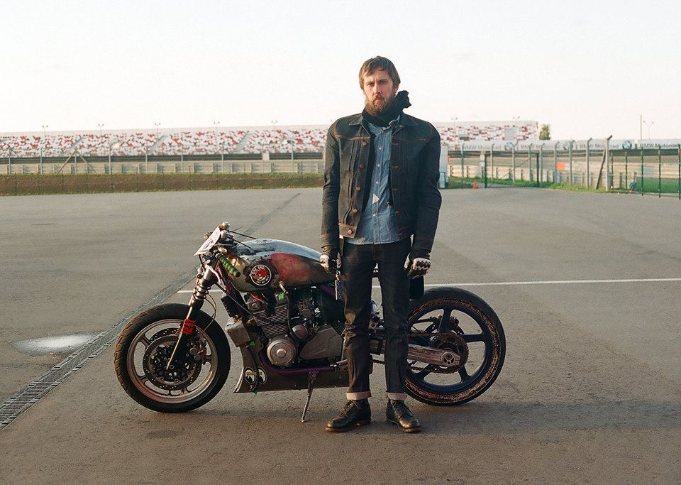 Фоторепортаж с гонки кастомных мотоциклов Nuts & Bolts. Изображение № 4.