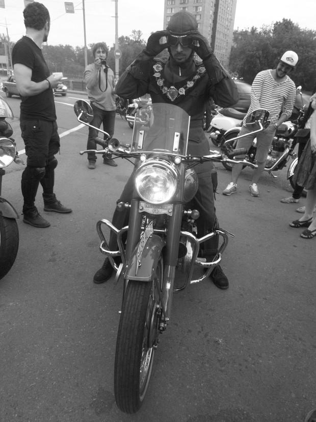 В Москве официально открылся салон мотоциклов Royal Enfield. Изображение № 21.