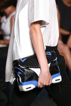 Александр Вэнг представил одежду, вдохновлённую дизайном сникеров. Изображение № 11.