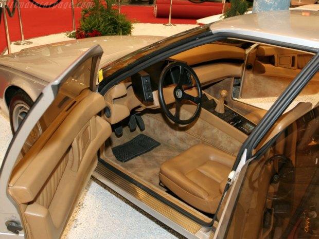 Уникальный седан Ferrari Pinin уйдёт с молотка. Изображение № 6.