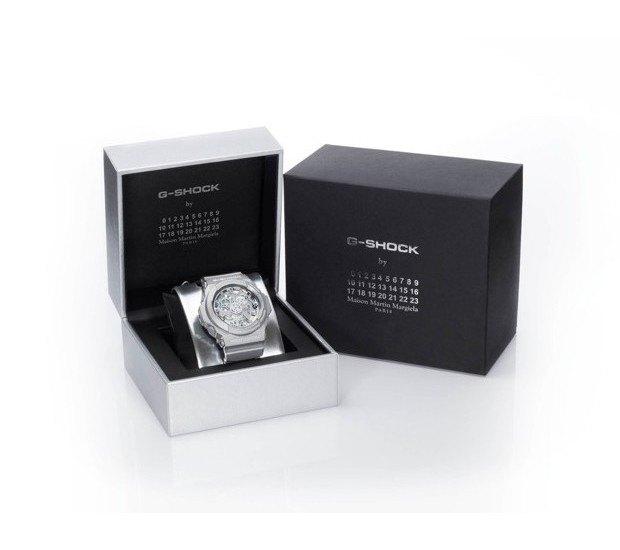 G-Shock и марка Maison Martin Margiela выпустили совместную модель часов. Изображение № 11.