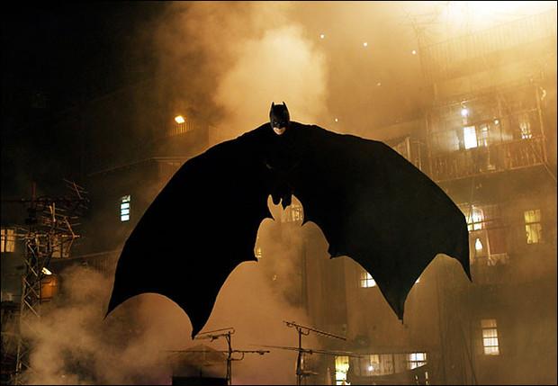 Английские студенты расcчитали полет Бэтмена. Изображение № 1.
