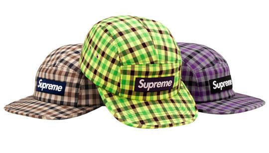 Уличная одежда Supreme: весенне-летний лукбук, кепки, рюкзаки и аксессуары. Изображение № 28.