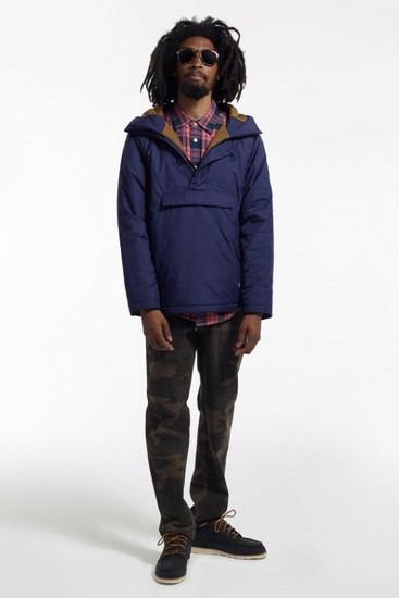 Марка Stussy опубликовала второй лукбук новой коллекции одежды своей линейки Holiday. Изображение № 17.