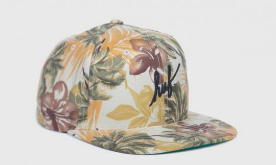 Американские марки HUF и Starter выпустили совместную коллекцию кепок. Изображение № 5.