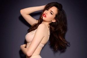 Австралийская модель Сара Стивенс снялась в рекламе марки Myla. Изображение № 17.