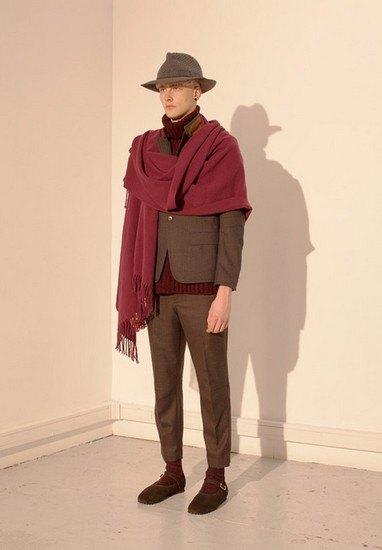 Марка Undercover опубликовала лукбук осенней коллекции одежды. Изображение № 30.