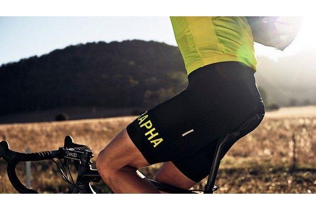 Велосипедная марка Rapha опубликовала весенний лукбук. Изображение № 21.