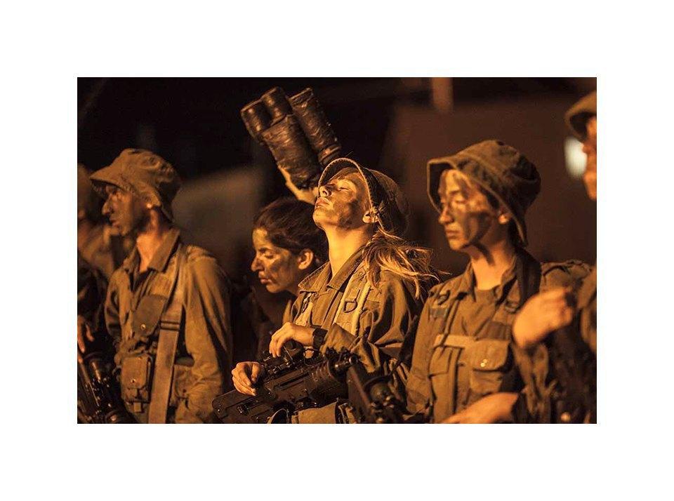 Фотопроект: Как служат женщины в армии Израиля. Изображение № 42.