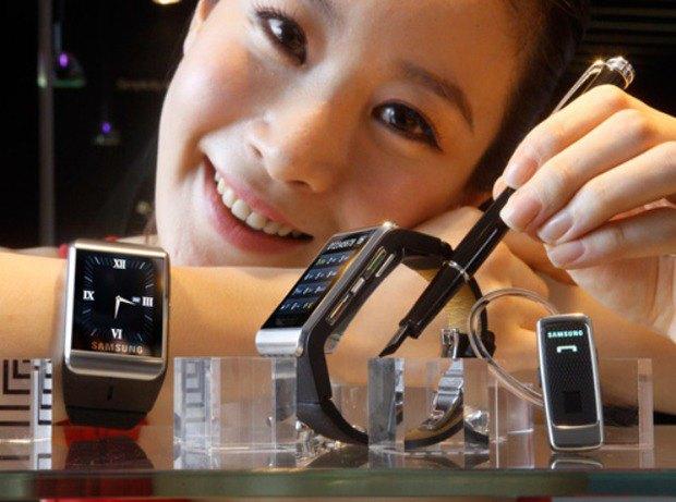Компания Samsung работает над «умными» часами. Изображение № 1.