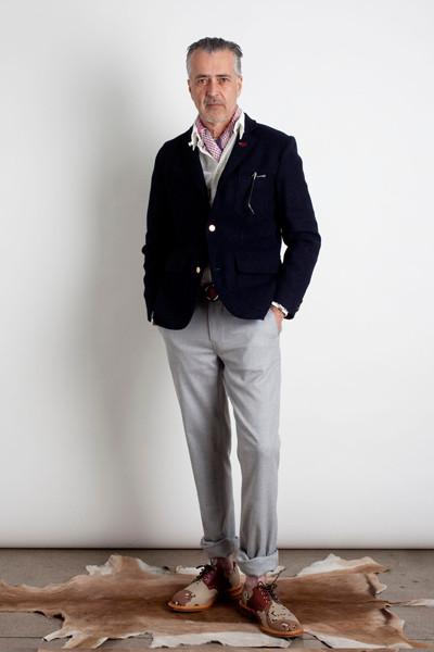 Дизайнер Марк МакНейри выпустил лукбук осенне-зимней коллекции одежды. Изображение № 4.