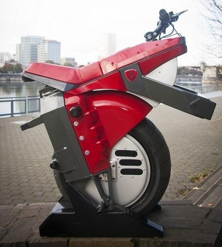 Американец разработал непадающий моноцикл. Изображение № 1.
