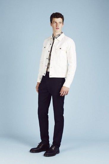 Французская марка A.P.C. выпустила лукбук весенней коллекции одежды. Изображение № 14.