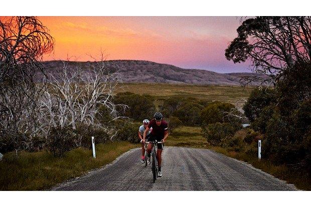 Велосипедная марка Rapha опубликовала весенний лукбук. Изображение № 24.