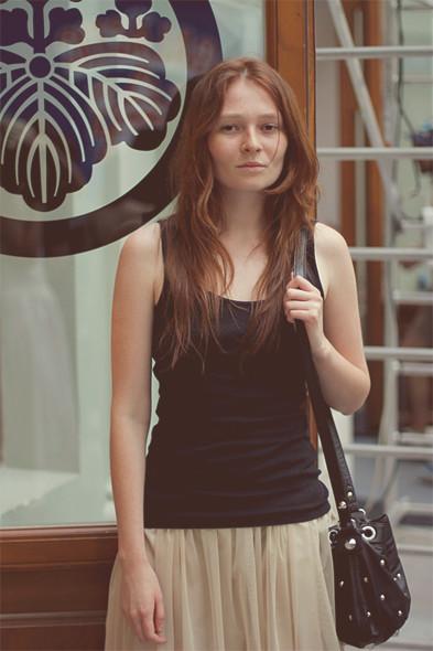 Репортаж с выставки Faces&Laces: Красивые девушки отвечают на вопросы. Изображение № 11.