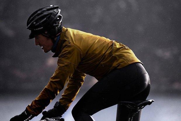 Велосипедная марка Rapha опубликовала осенне-зимний лукбук. Изображение № 7.