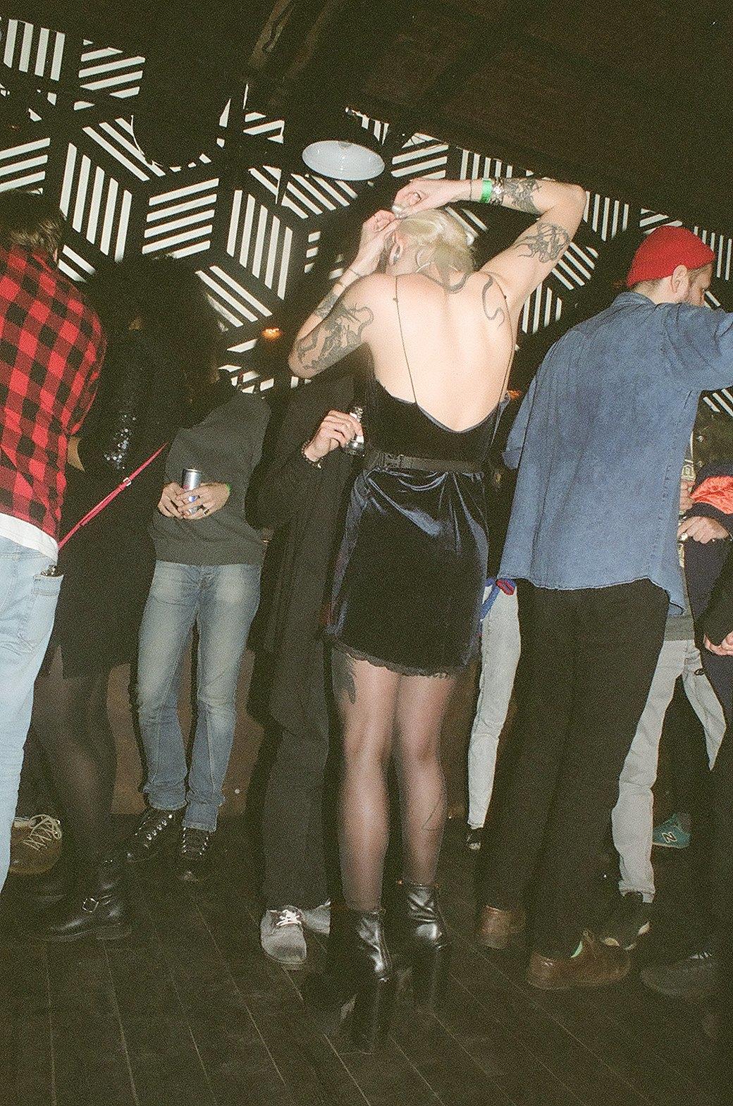 Фоторепортаж: Техно-зомби, модники и люди в чёрном на рейве Body. Изображение № 8.