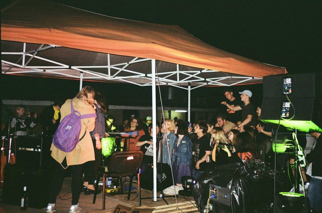 Фотоотчёт: Вечеринка на крыше торгового центра. Изображение № 4.