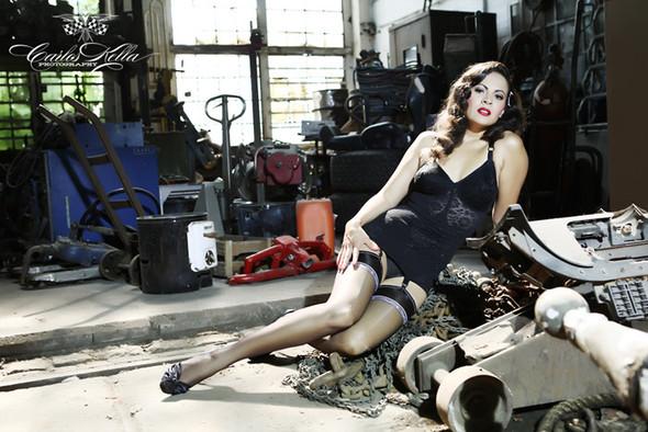 GIRLS AND LEGENDARY AMERICAN CARS. Изображение № 36.