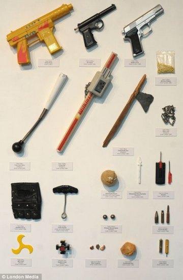 Лондонский учитель показал коллекцию конфискованного у школьников оружия за 30 лет. Изображение № 3.