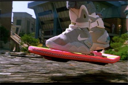 Компания Mattel выпустит летающий скейтборд из фильма «Назад в будущее». Изображение № 1.
