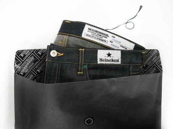 Японский бренд Neighborhood и пивоварня Heineken сшили совместную модель джинсов. Изображение № 11.
