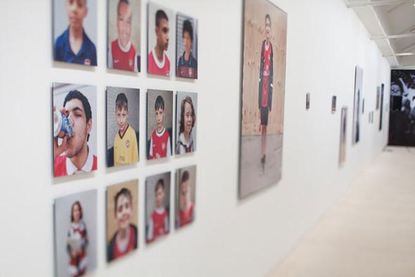 «Арсенал» отметил 125-летие выставкой фотографий игроков и болельщиков. Изображение № 4.