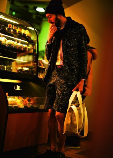 Японская марка Beams опубликовала лукбук весенней коллекции одежды. Изображение № 7.