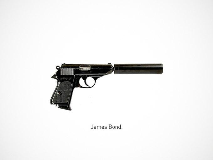 Итальянский дизайнер представил коллекцию плакатов знаменитого оружия. Изображение № 1.