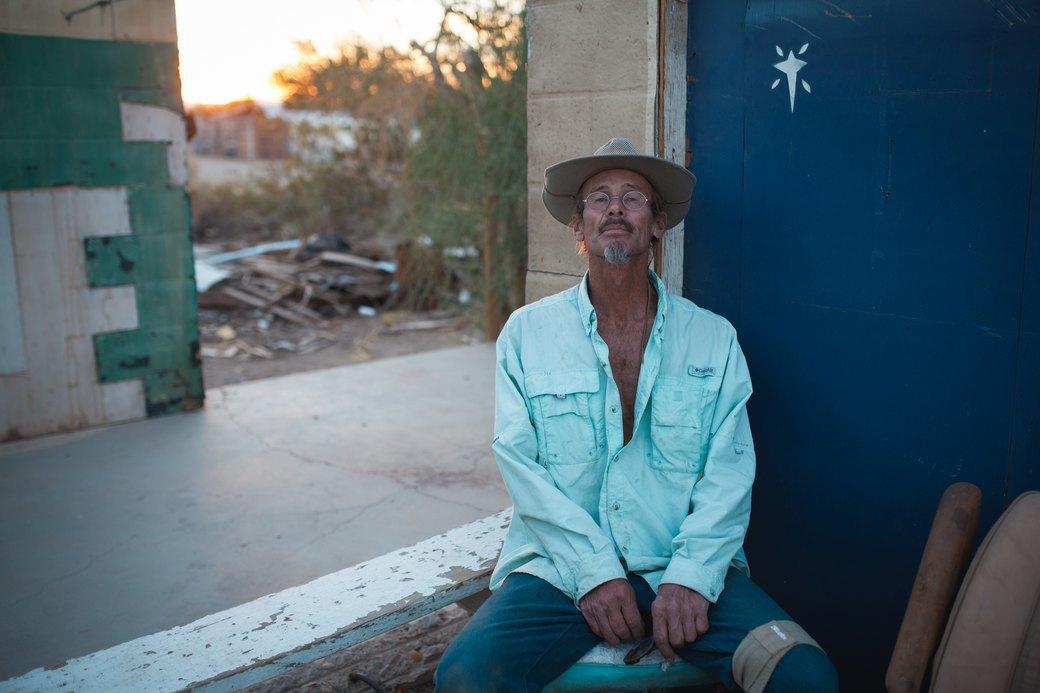 Последнее свободное место Америки: Фоторепортаж из города-призрака Слэб-Сити. Изображение № 11.