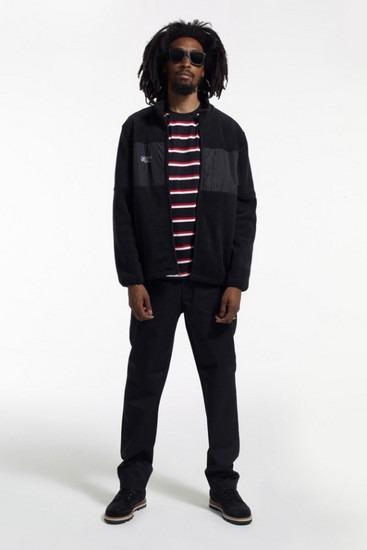 Марка Stussy опубликовала второй лукбук новой коллекции одежды своей линейки Holiday. Изображение № 14.
