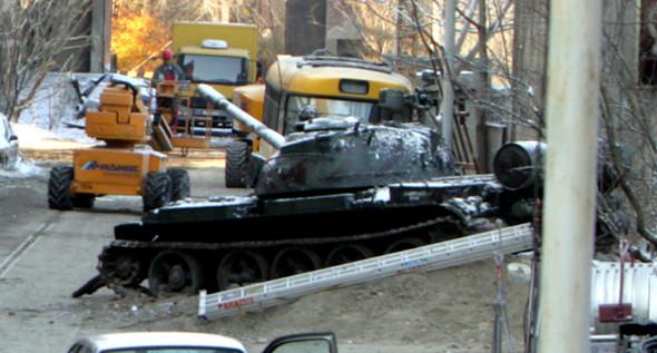 Брэд Питт купил советский танк. Изображение № 1.