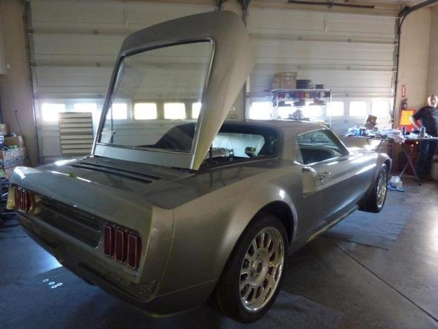 Американская мастерская изготовила гибрид маслкара Ford Mustang Mach 1 и спорткара GT40. Изображение № 12.