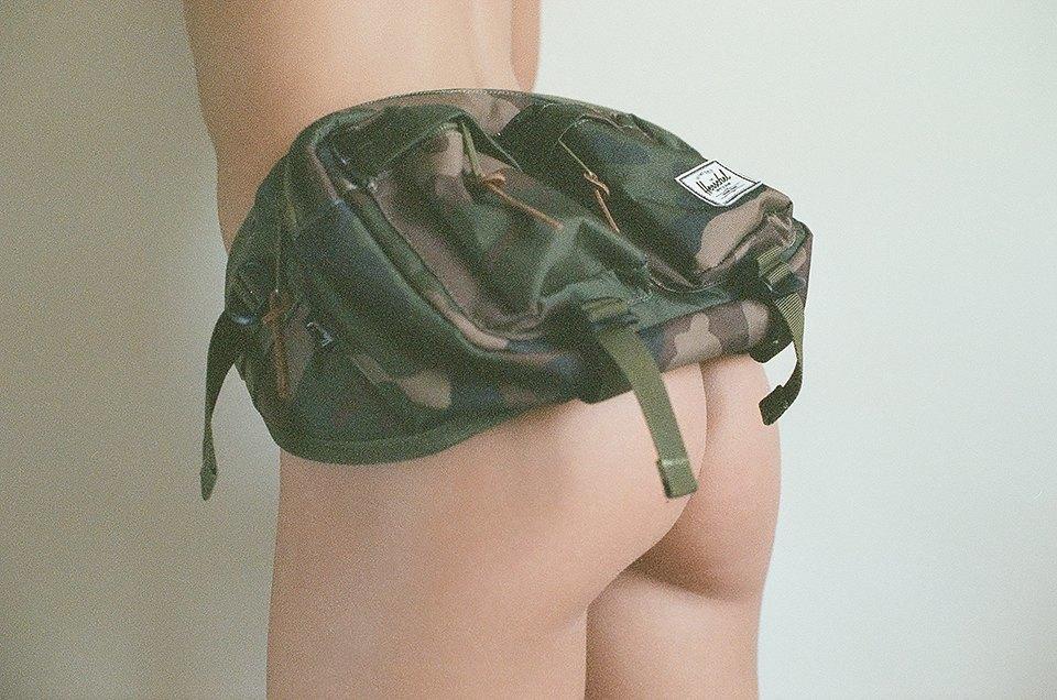 Жопа: Очаровательная ревизия сумок на пояс. Изображение № 4.