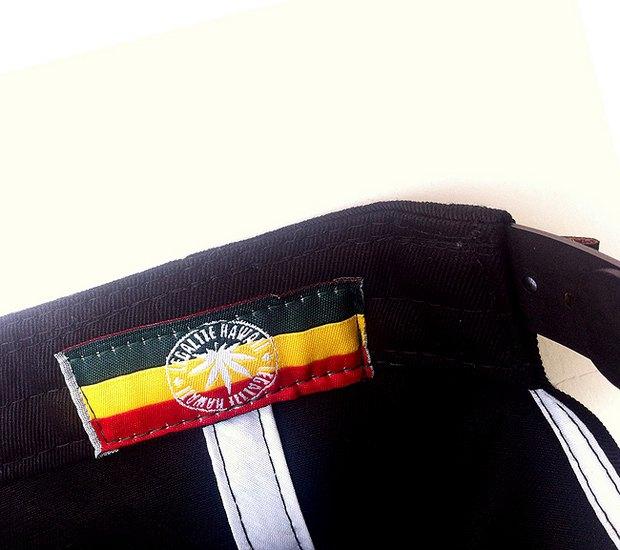 Марка In4mation представила коллекцию одежды Legalize Hawaii. Изображение № 6.