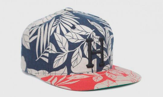 Американские марки HUF и Starter выпустили совместную коллекцию кепок. Изображение № 3.