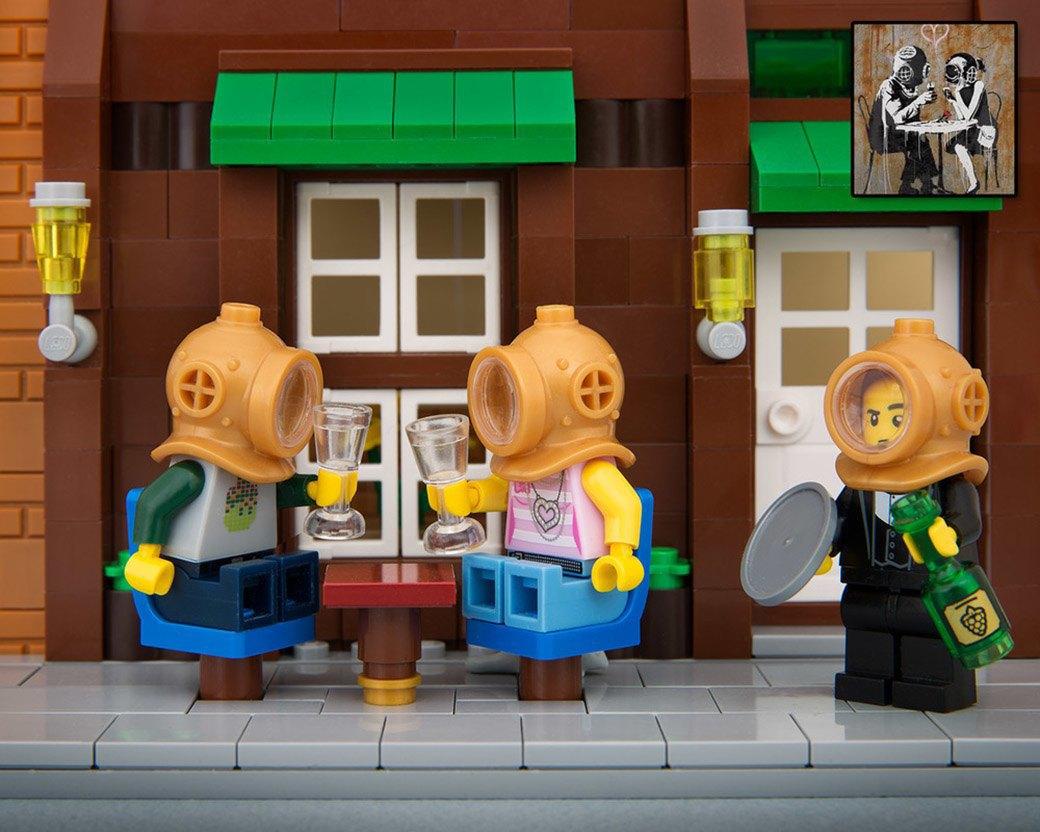 Bricksy: Работы Бэнкси из конструктора LEGO. Изображение № 18.