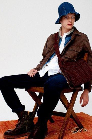 Японская марка Visvim опубликовала лукбук весенней коллекции одежды. Изображение № 11.