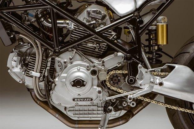 Основатель Atom Bomb Custom Motorcycles практически вручную собрал кастом на основе Ducati 900SS. Изображение № 2.