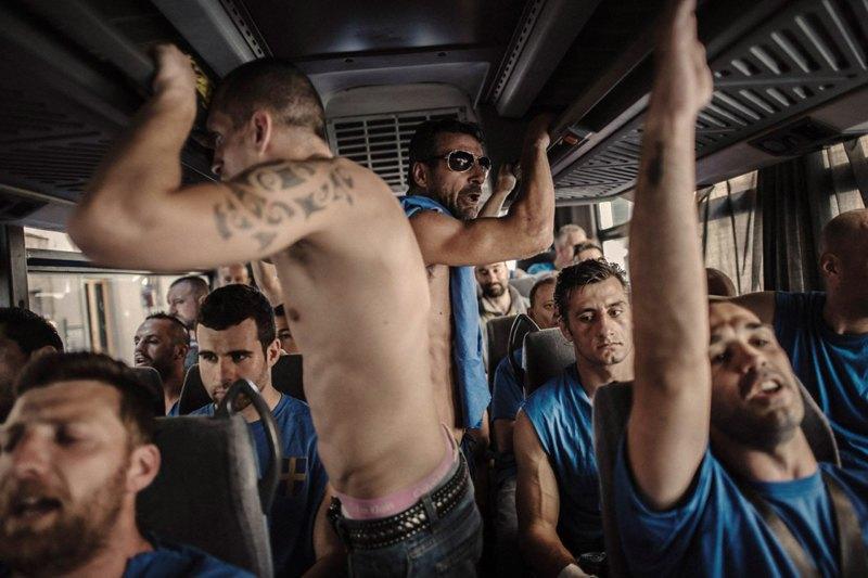 Как выглядит самая кровожадная разновидность футбола —кальчо флорентино. Изображение № 18.