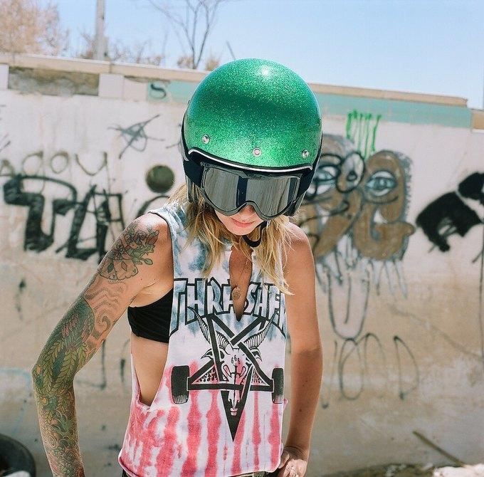 La Motocyclette: Американская фотовыставка доказывает право девушек называться байкерами. Изображение № 12.
